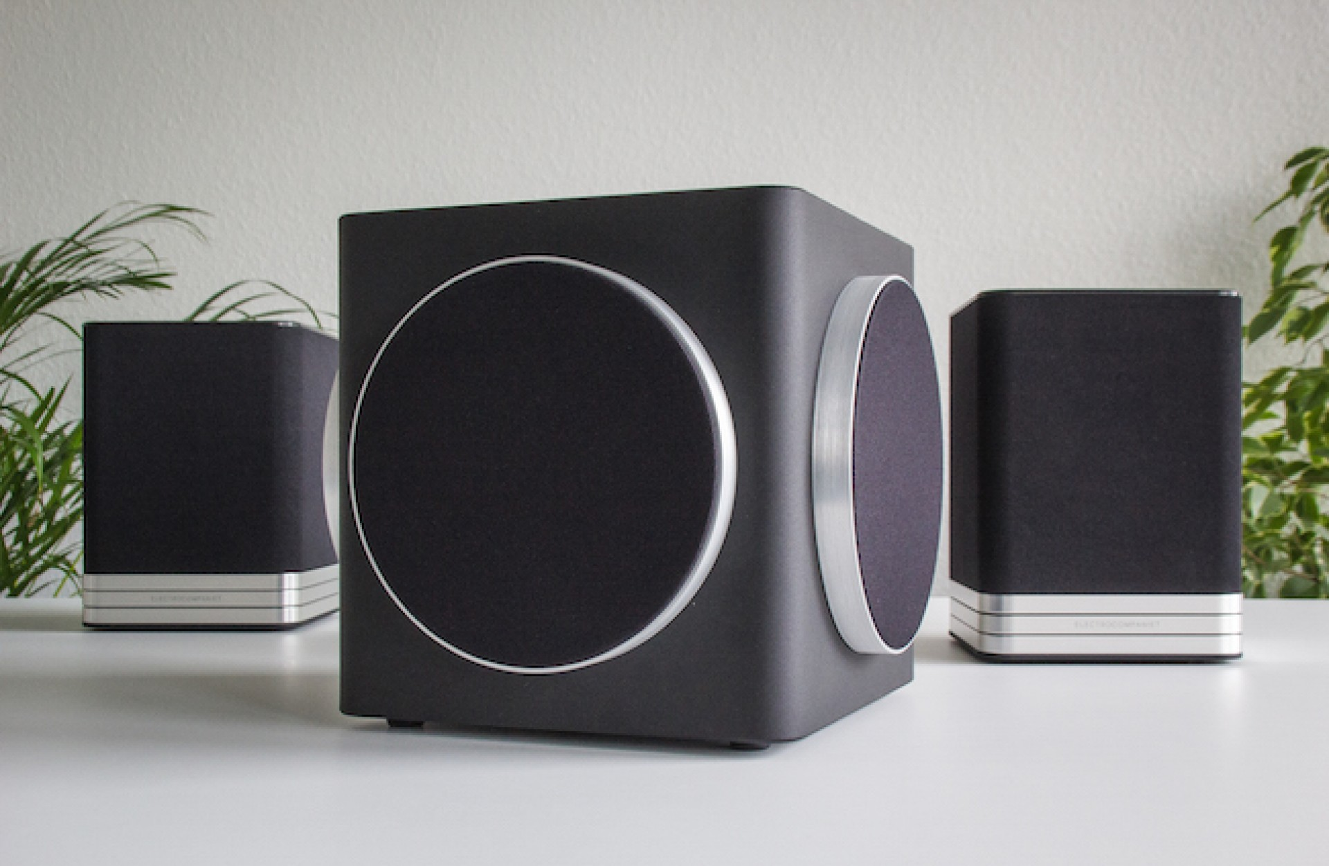 Premium wireless speaker system